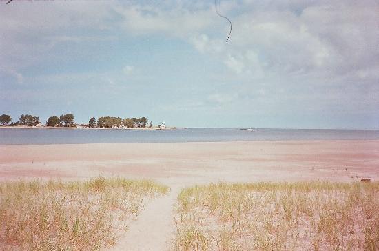 "Hilltop cabins : The ""Public"" Beach"