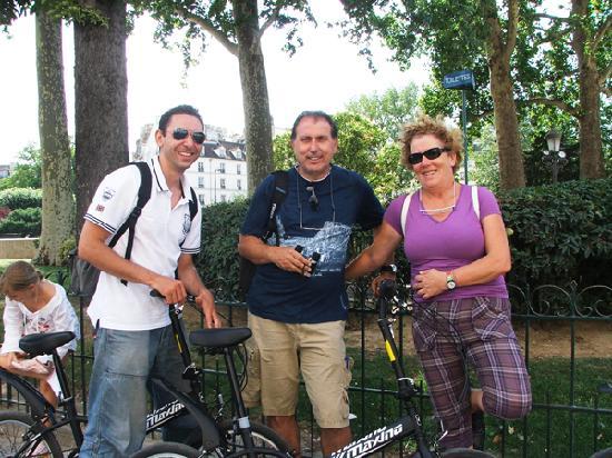 Paris Small Bike Tours: Encantadores andaluces