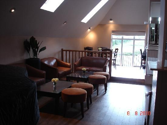 The Lodge at Winchelsea: Bar area
