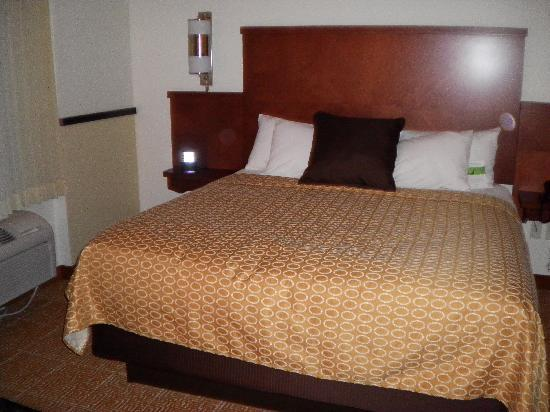 Hyatt Place Saratoga / Malta: sleeping area