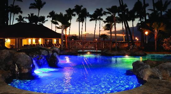 Kaanapali Alii Pool at Night