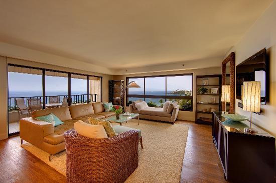 Two Bedroom Ocean Front Premier Condominium at Kaanapali Alii
