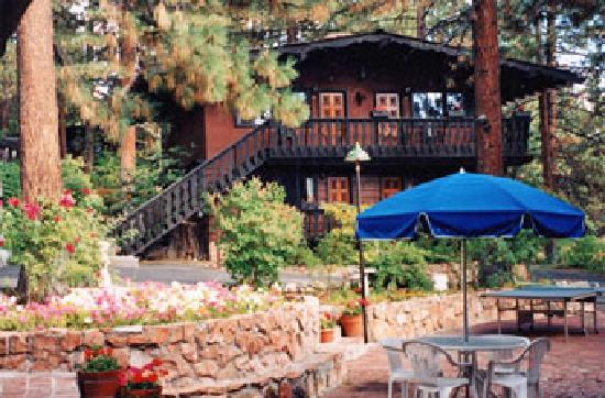 Pine Cone Resort: Pet-Friendly Condos in Zephyr Cove