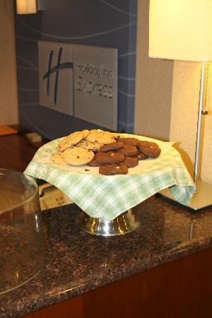 Holiday Inn Express Keene: Free nightly cookies