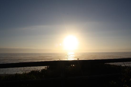 Tillicum Beach Park: Breathtaking views from our campsite!
