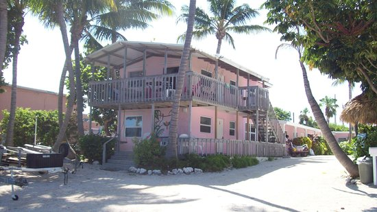 Sands of Islamorada Hotel: Sands from the water