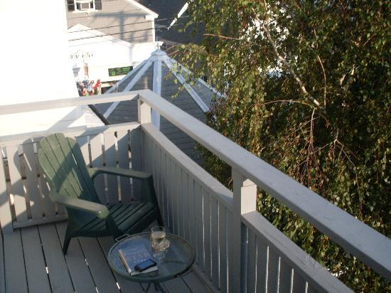White Wind Inn: Our Private Deck