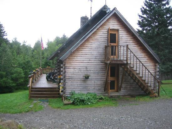 Little Lyford Lodge and Cabins: The lodge, where meals are served