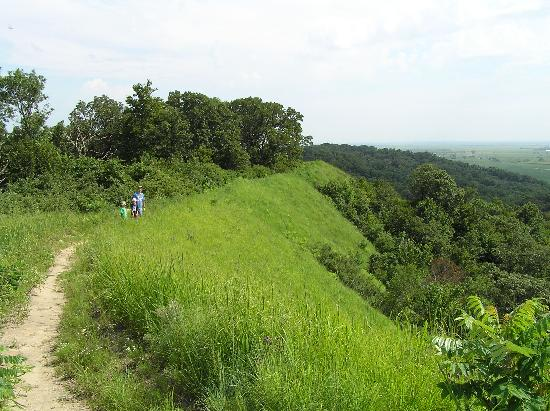 Loess Hills Scenic Byway: Sunset Ridge trail at Waubonsie SP