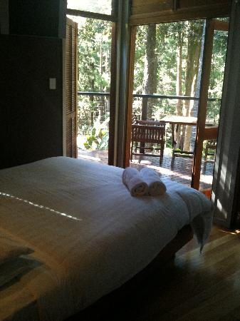 Azabu Boutique Accommodation Byron Bay: Bed