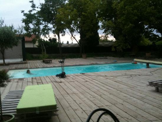 Le Prieure Saint Louis : piscine