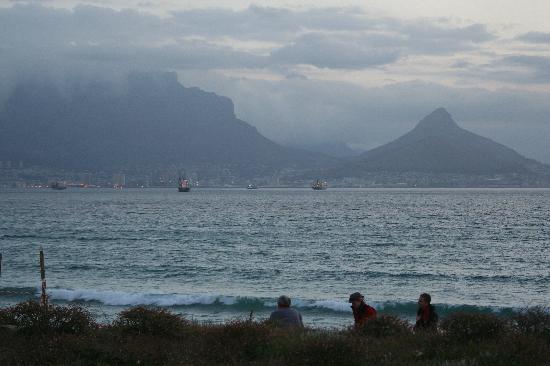 Bloubergstrand Beach: A View across the Bay.