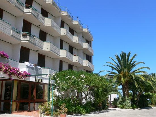 Photo of Hotel Parco Degli Aranci Rodi Garganico