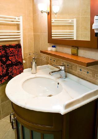 Sah Otel Apartment: bathroom