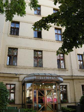 Hotel Lunik: Esterno