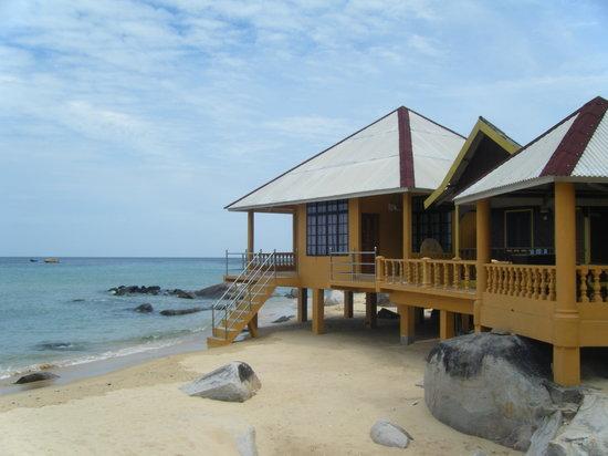 Sun Beach Resort: dall'esterno i bungalow sulla spiaggia
