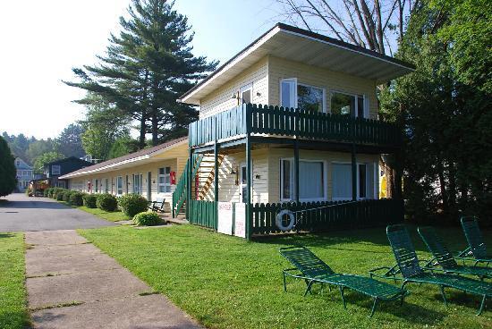 Adirondack Motel rooms