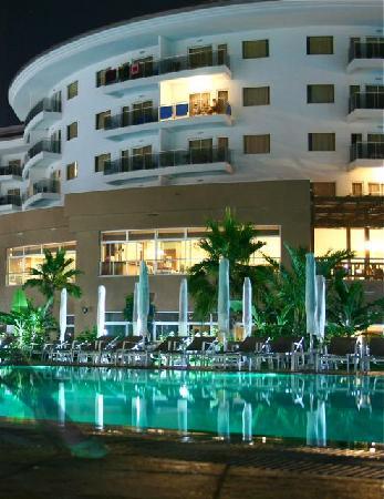 Sunconnect Sea World Resort & Spa: vor dem südlichen Flügel