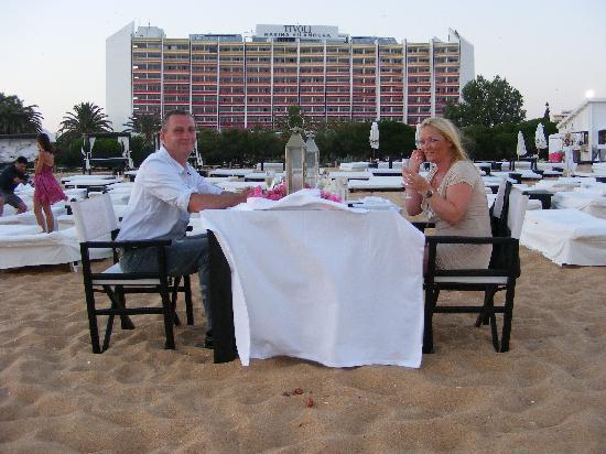 Tivoli Marina Vilamoura : Romantic dinner on beach outside hotel. Beautiful.