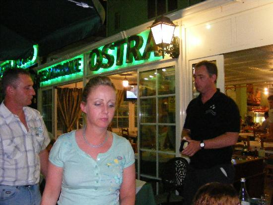 Ostra D' Ouro Restaurant Grill: outside of restaurant