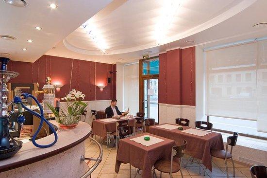 City Hotel Comfitel: The Cafe