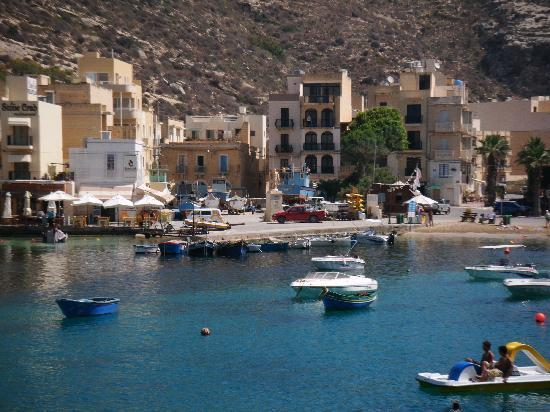 how to get from malta airport to gozo