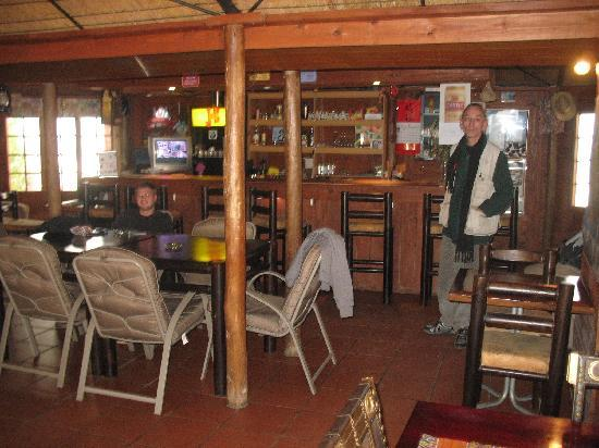 Ghandi Backpackers Lodge: the bar with on the right: Heinz!