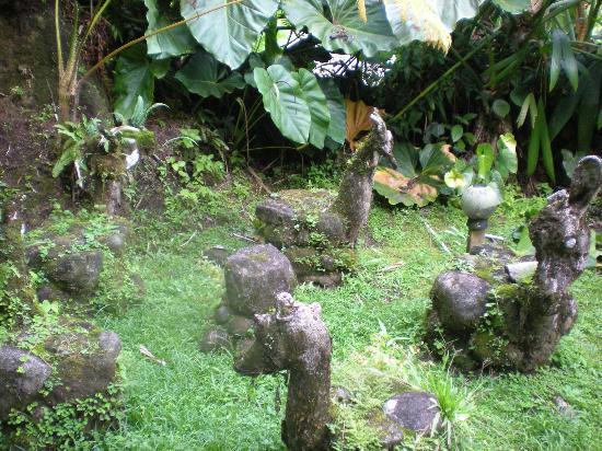 Papillote Tropical Gardens: cute animal garden statues