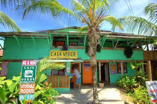 Casa Verde Hostel & Guesthouse