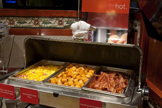 Hampton Inn Harrisburg East (Hershey Area): Enjoy the On the House® Breakfast served each morning from 6am to 10am. You're sure to find your