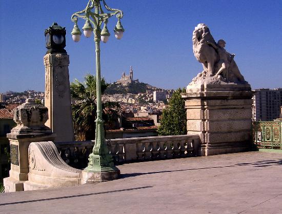 Hotel Peron: Marseille Gare St Charles le matin