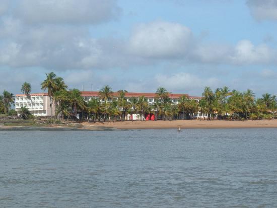 Hotel des Roches: Des Roches von der Wasserseite