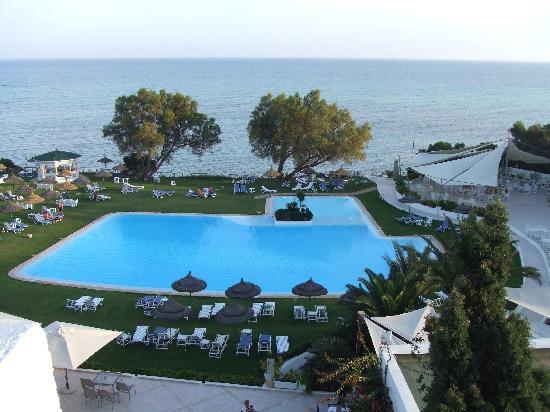 SENTIDO Le Sultan: vue de la chambre : piscine