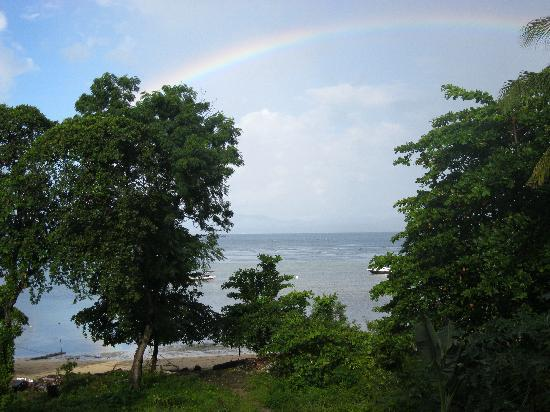 Bunaken Beach Resort: rainbow