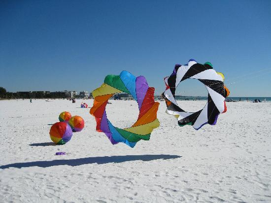 Crescent Beach: Spinning bols on Siesta Key - favorite place