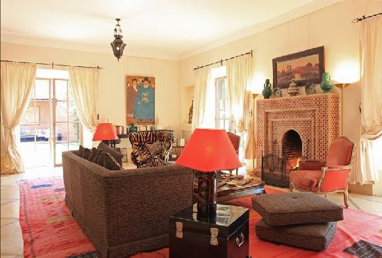 Villa Alouna: Alouna : un vaste salon