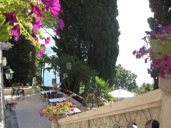 Hotel Villa Ariston: garden view