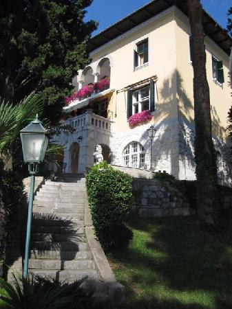 Hotel Villa Ariston: Villa from the garden
