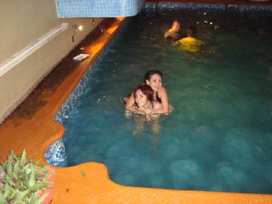 Hotel Grand Royal Tampico: DISFRUTANDO DE LA ALBERCA