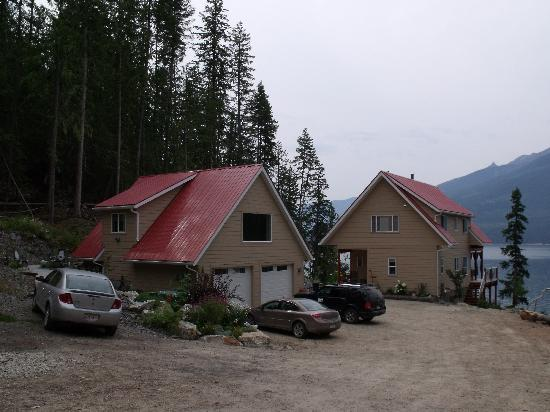 Nakusp, Kanada: Owners' Home and Studio Suite Above Garage