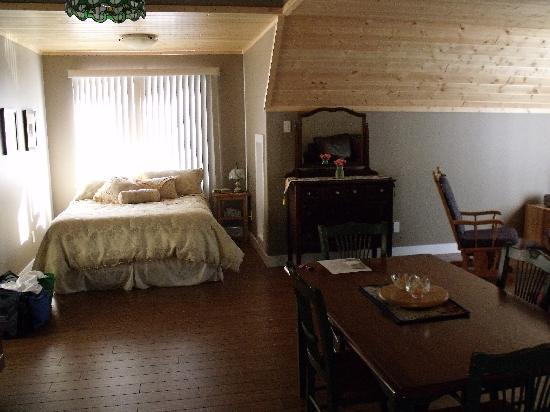 Nakusp, Kanada: Bedroom Alcove in Suite