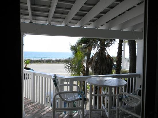 Oceanfront Cottages: Patio over looking ocean