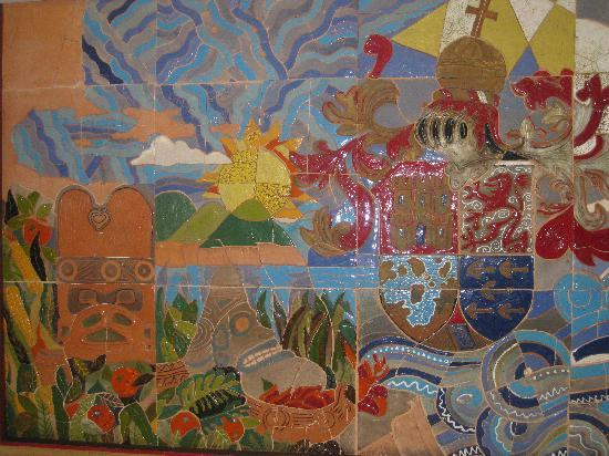 Hodelpa Gran Almirante Hotel & Casino: A Beautiful Mural By The Elevators