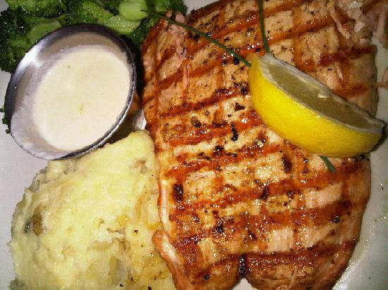 Fins Fish House & Raw Bar : Nothing is better than freshly grilled Alaskan Salmon.