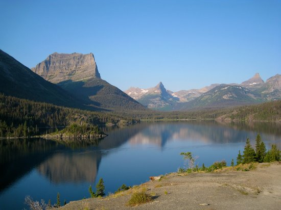 ‪‪Glacier National Park‬, ‪Montana‬: St. Mary Lake in early morning‬