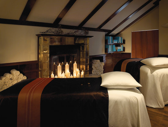 Elmwood Spa : Relax Together with a Couples Massage