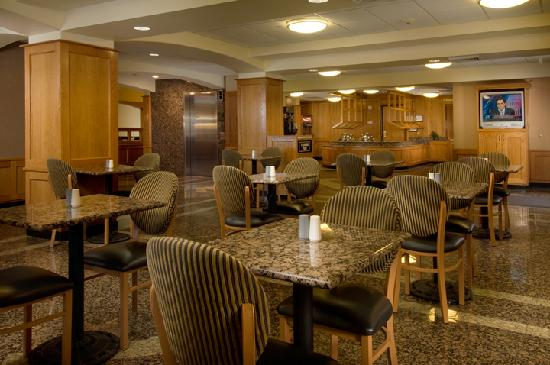 Drury Inn & Suites Lafayette: Breakfast Area