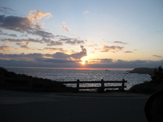 Point Lobos State Reserve: Sunset from parking lot near Bird Island