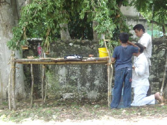 Cabanas Uh Najil Ek Balam: ceremonia indigena maya