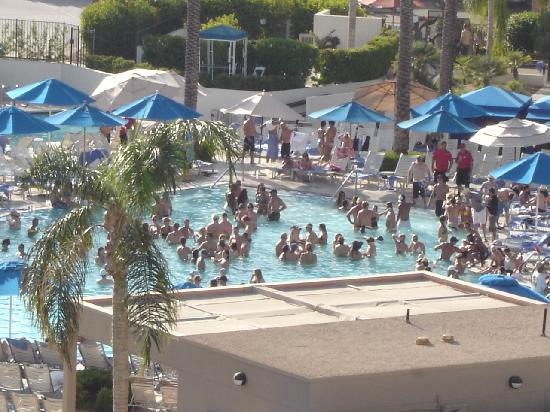 Party At The Pool Picture Of Jw Marriott Desert Springs